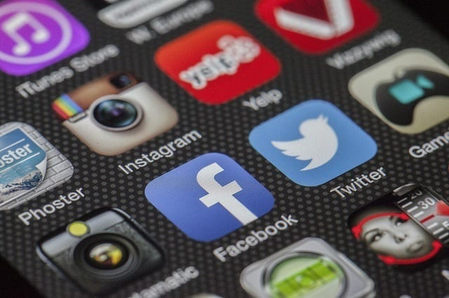 Objectives digital marketing – Use social media to foster a community