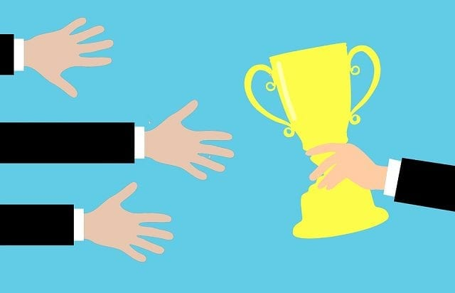 How to Run a Successful Social Media Competition on Facebook & Twitter